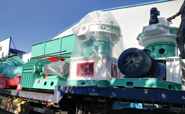 哈尔滨秸秆颗粒机装车完成