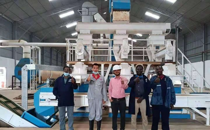 乌干达秸秆颗粒机调试成功